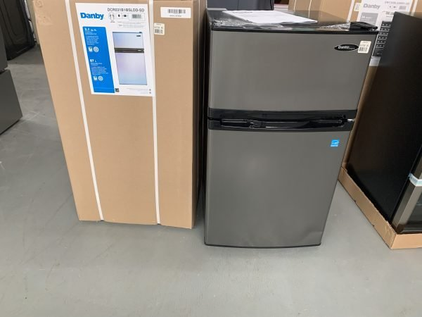 GE 18.75-inch W 3.1 Cu.ft. Compact Refrigerator in Stainless Steel 1