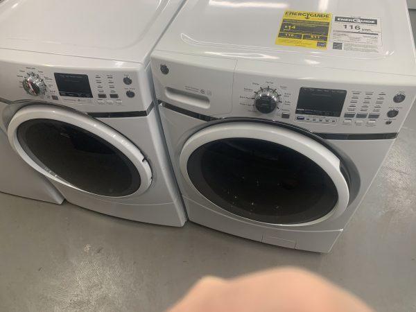 GE 5.2 cuft washer and matching 7.8 cuft Gas Dryer 1