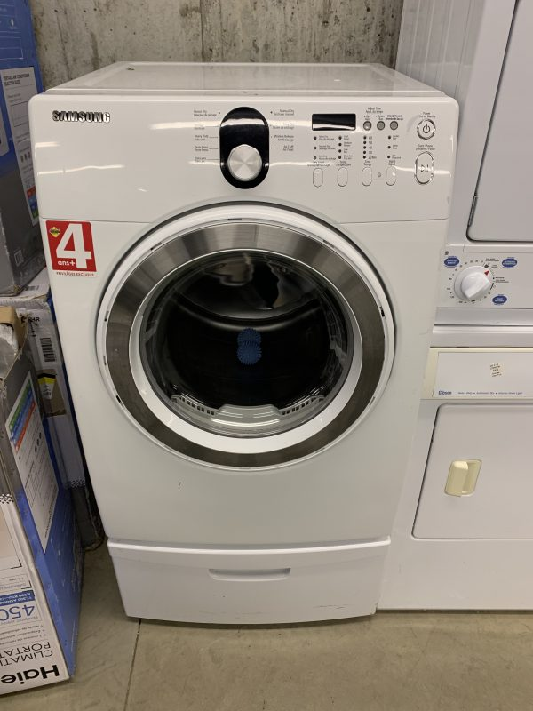 Samsung white dryer with pedestal in excellent working condition 1