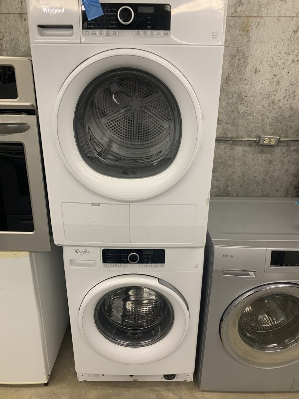 """Whirlpool 24"""" stackable washer dryer set in excellent condition 1"""