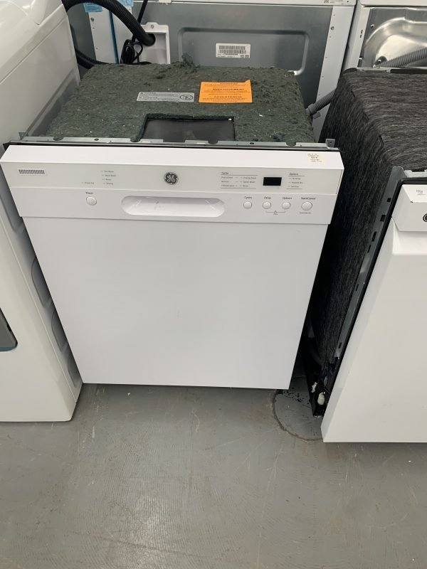 """Built-In Dishwasher with CleanSensor - 24"""" - White 1"""