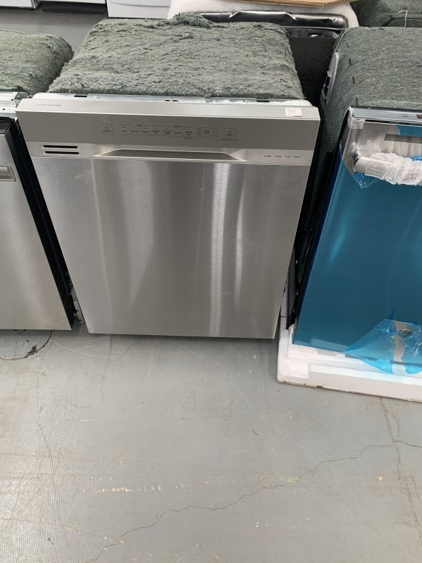 """Samsung 24"""" 51dB Built-In Dishwasher with Third Rack 1"""