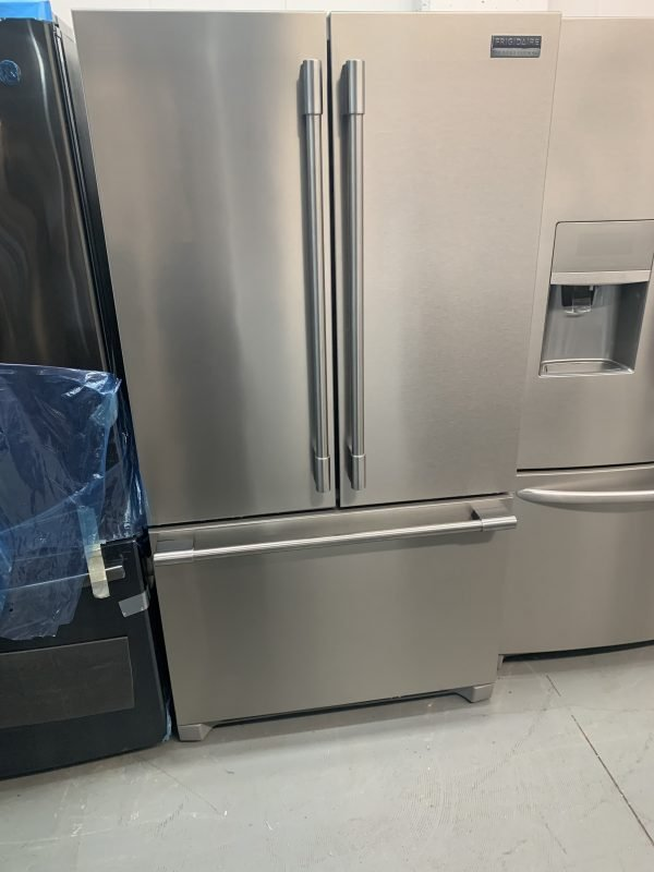 Frigidaire French Door Refrigerator - 36-in - 22.3-cu ft - Stainless Steel 1