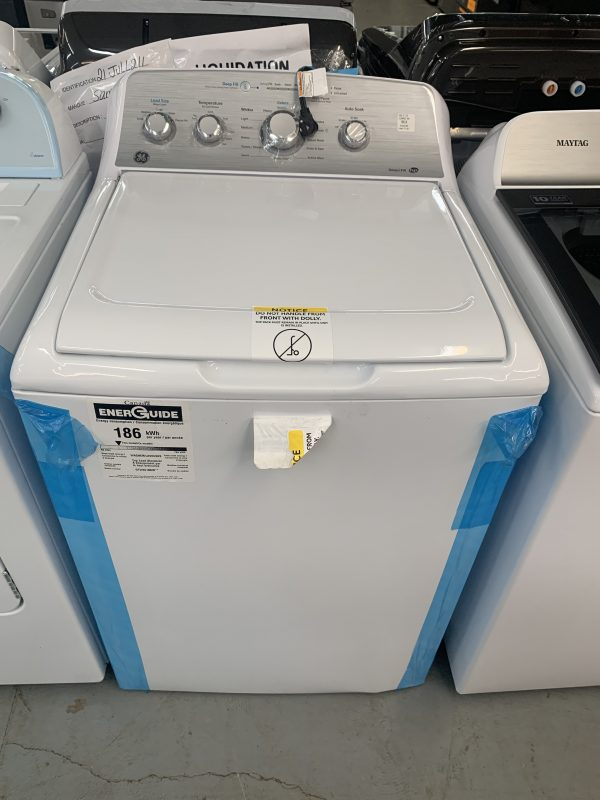 GE 4.9 CU. FT. TOP LOAD WASHER WITH SANIFRESH CYCLE WHITE - GTW451BMRWS 1