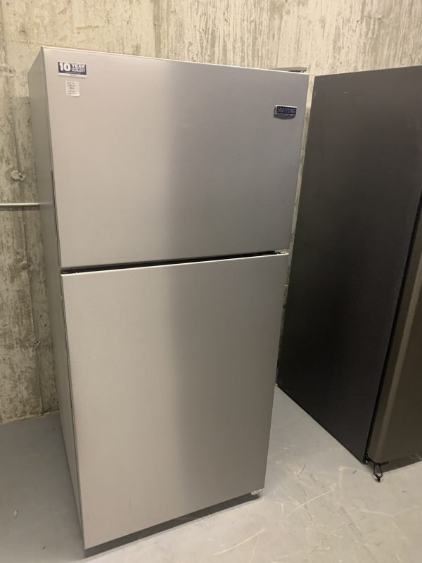 """2018 30"""" Maytag stainless steel fridge in excellent condition 1"""