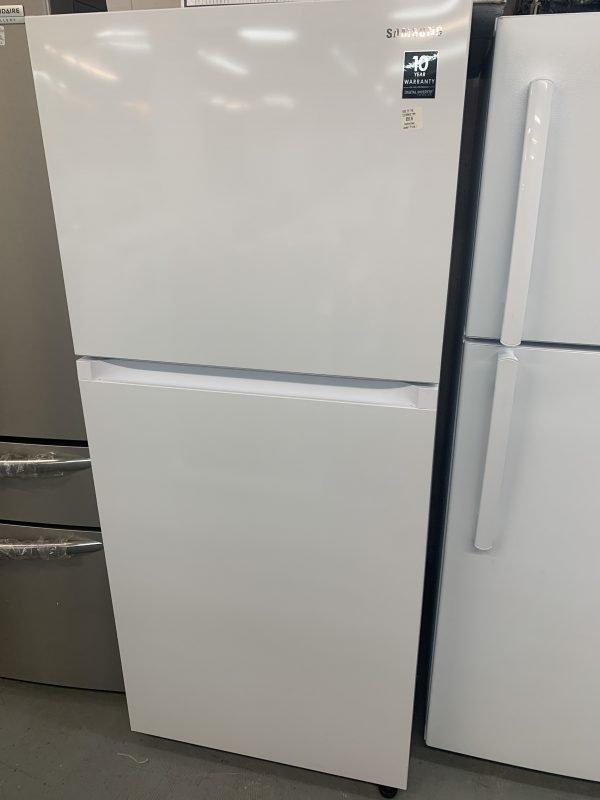 Samsung Refrigerator with FlexZone - 29-in - 17.6-cu ft - White 1
