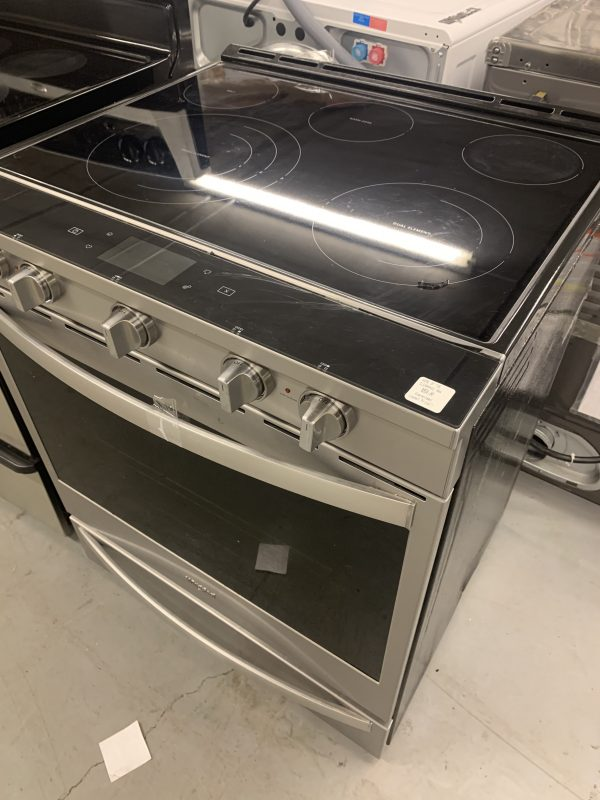 """2020 like new Whirlpool 30"""" 6.4 Cu. Ft. True Convection 5-Element Slide-In Electric Range 1"""