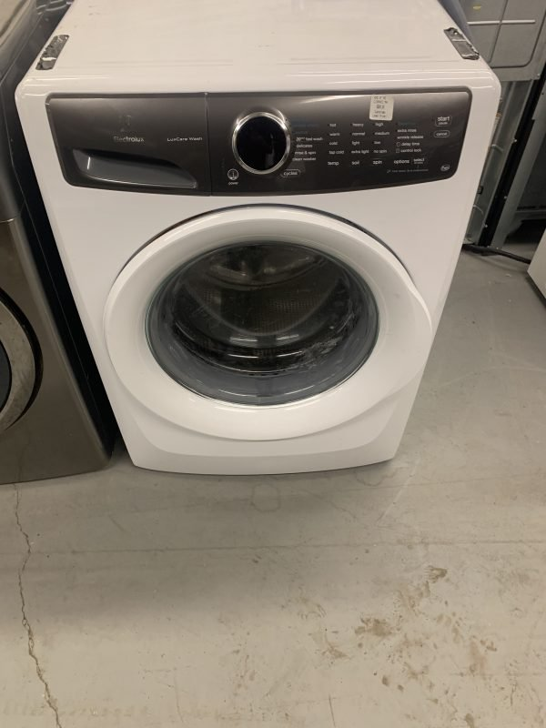 2020 like new Electrolux front load washer with steam options 1