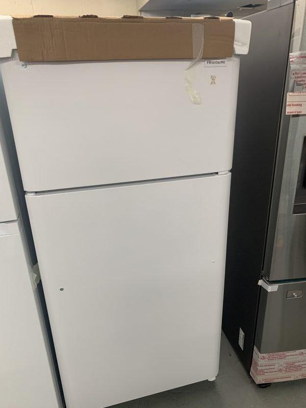 Frigidaire 30-inch W 18 cu. ft. Top Freezer Refrigerator in White 1