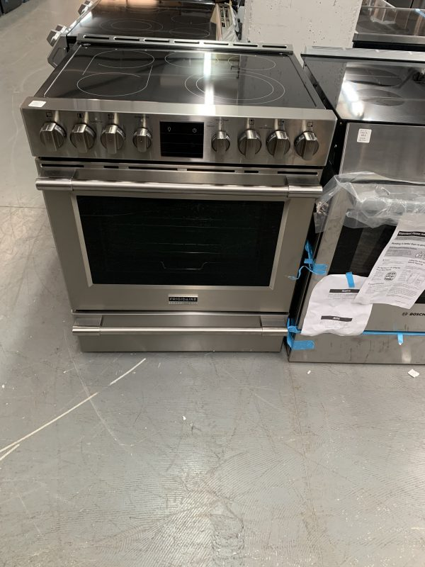 Frigidaire Professional 30-inch 5.4 cu. ft. Front Control Electric Range with Air Fry in Stainless Steel 1